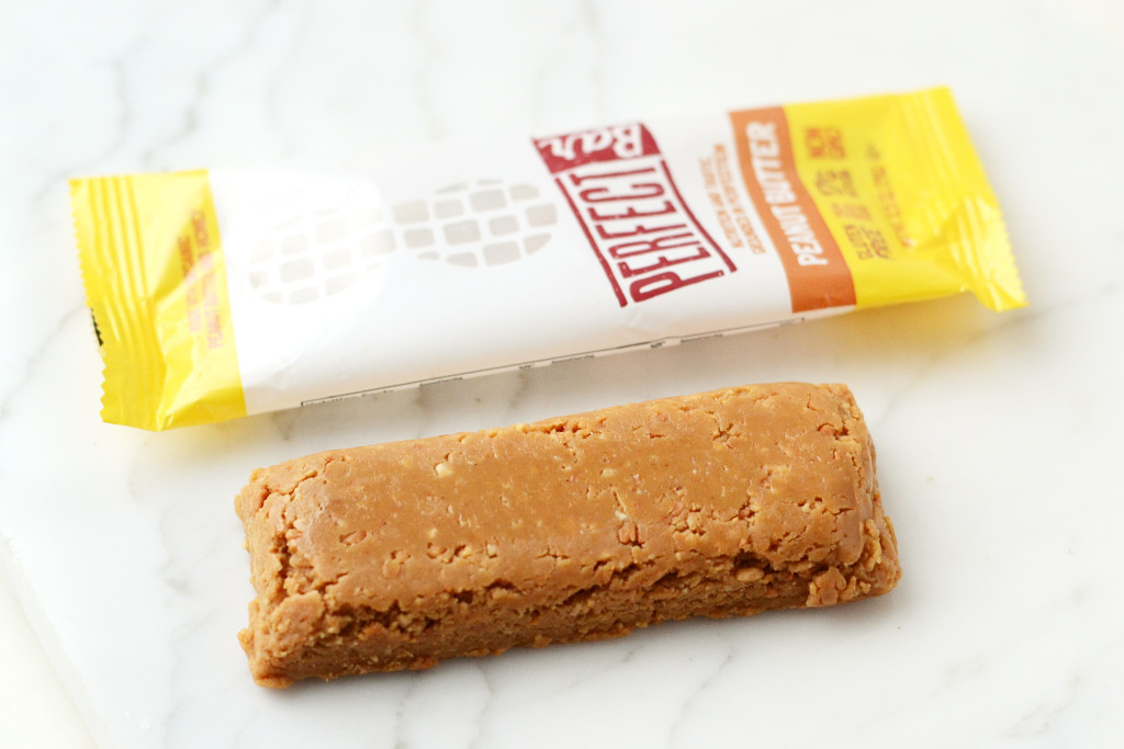 The 7 Best Healthy Packaged Bars // Learn how to pick the best healthy packaged bar and my pick for the 7 best healthy packaged bars.