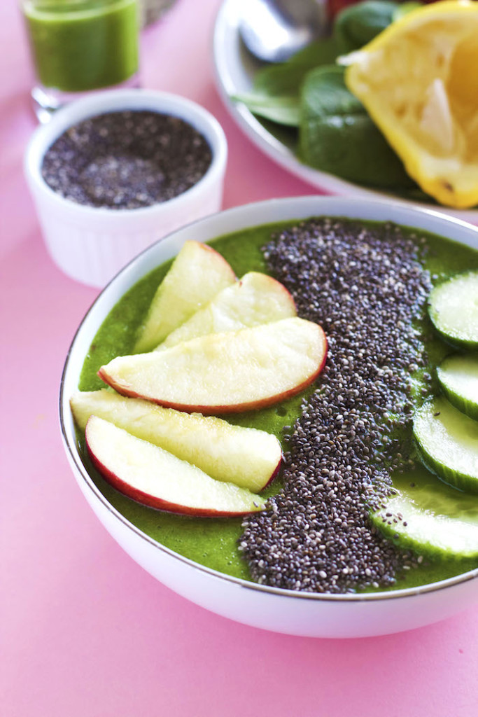 the Ultimate Smoothie Bowl Roundup